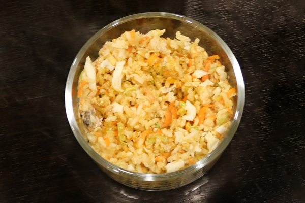 Veg & Egg dog food made by Fresh4paws in a bowl